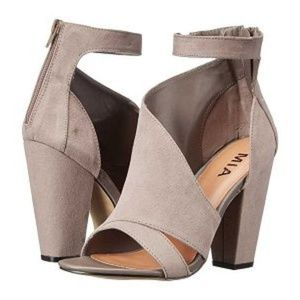 MIA Jacinda Gray Sz 10 Ankle Wrap Sandal Heel NEW